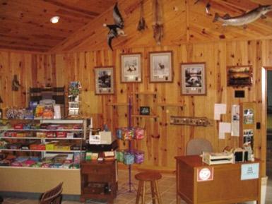 Gift Shop Black Pine Beach Resort